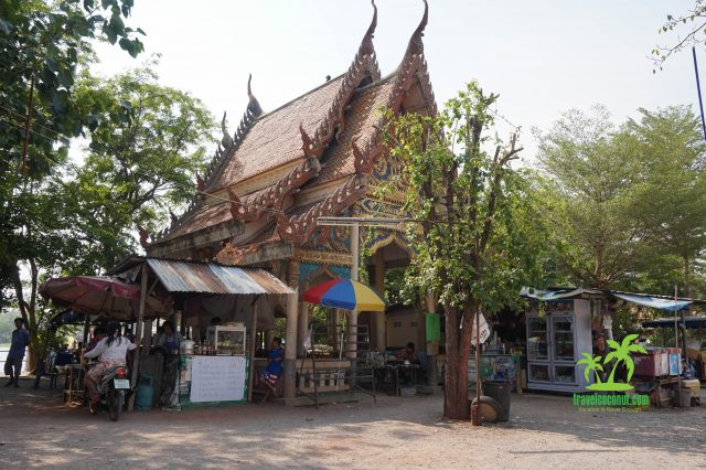 Amphawa floating market - 5 Temples Tour